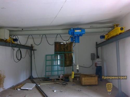 фото кранового пути на металлических опорах