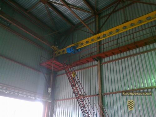 лестница и площадка обслуживания подвесного крана