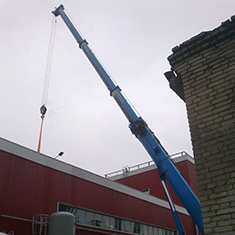 Монтаж опорного крана через проем в крыше