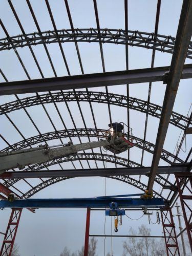 монтаж силовых элементов крыши эстакады